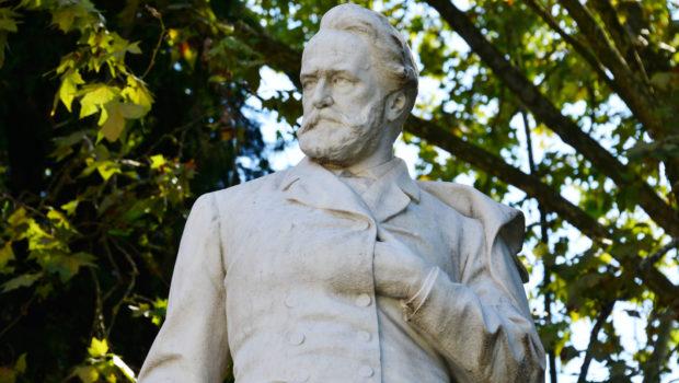 47386014 - statue of victor hugo in villa borghese in rome