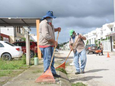 Mejoran imagen urbana de Puerto Morelos
